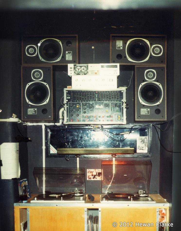 The Ha 231 Ienda Dj Booth Electrofunkroots